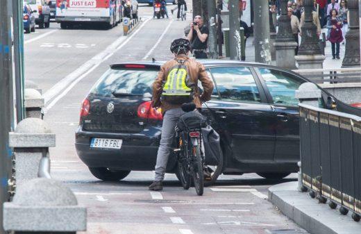 Juarkord hizo un reportaje sobre el carril bici de la calle Alcalá y su peligrosidad
